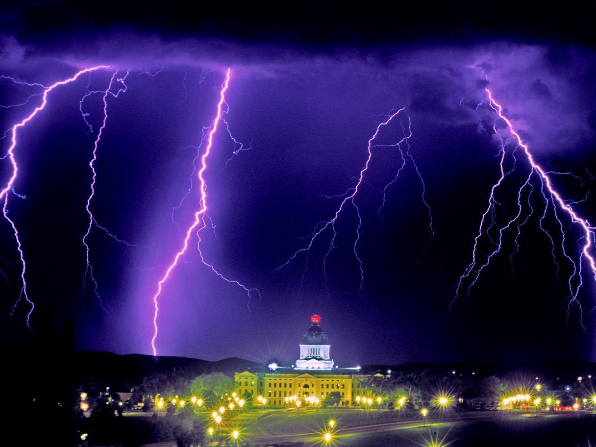 Lightning storm over the State Capitol Building