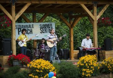 Summer Porch Series at Strawbale Winery
