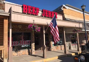 Beef Jerky Outlet, Hill City