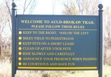 Auld-Brokaw Trail Rules Sign