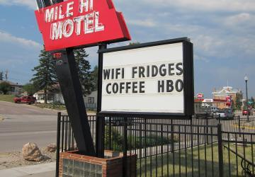 Mile Hi Motel