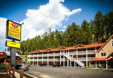 Keystone Board Walk Inn & Suites