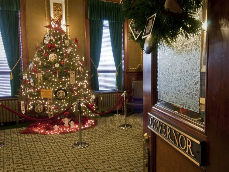 Christmas tree in the governor's office