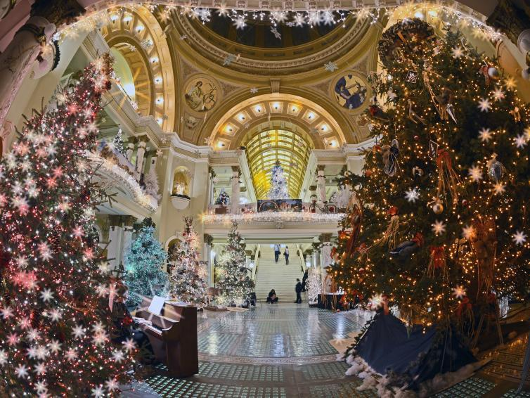Fisheye of Christmas at the Capitol