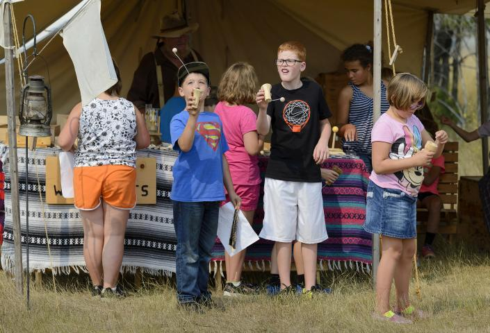Children at the Hugh Glass Rendezvous