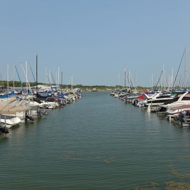 Lewis and Clark Lake marina