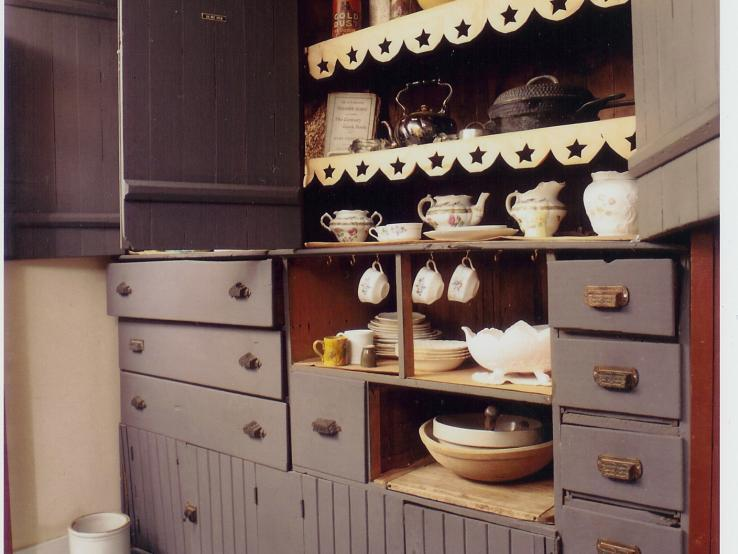 Pa's Cupboards