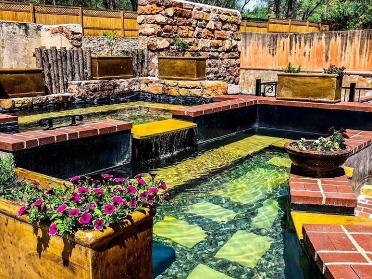 Moccasin Springs Natural Mineral Spa, Hot Springs