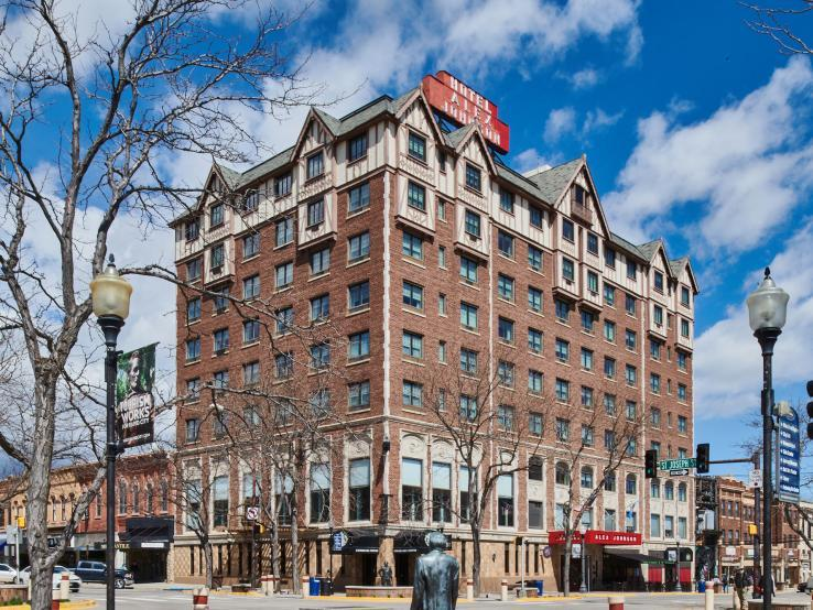 Hotel Alex Johnson, Rapid City