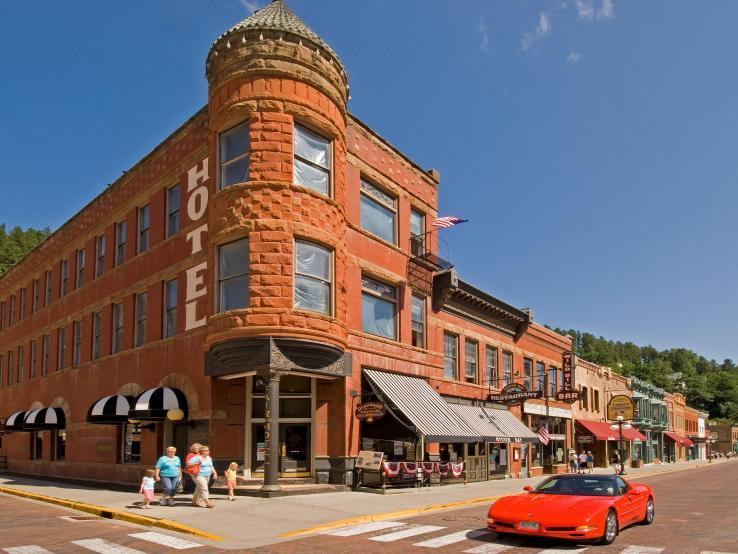 The Historic Fairmont Hotel & Oyster Bay Bar, Deadwood