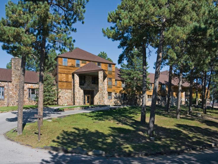 Sylvan Lake Lodge